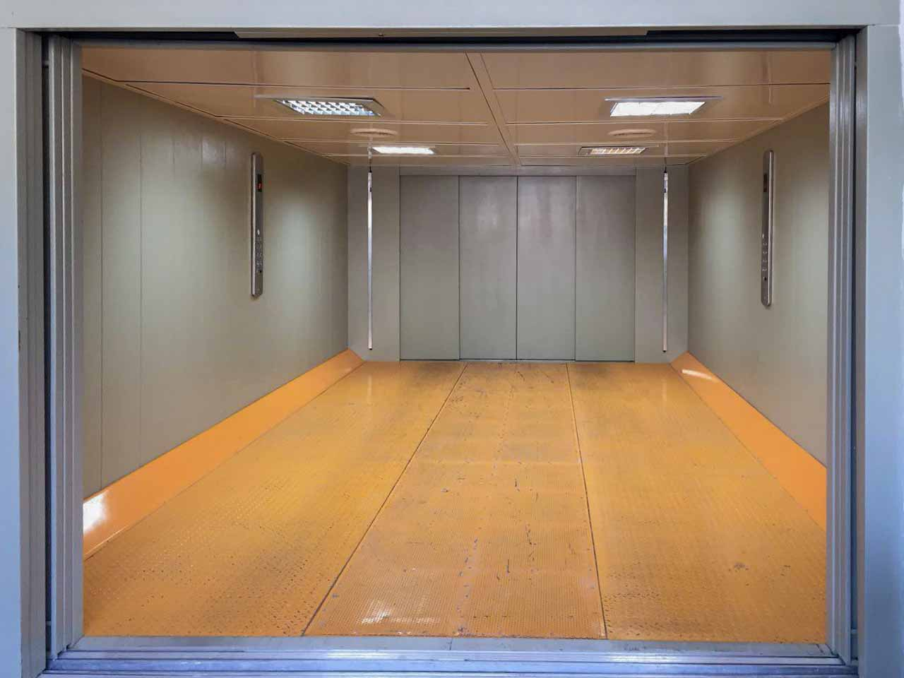 آسانسور هیدرولیکی، آسانسور بار بر، باربر، آسانسور، ماشین بر، آسانسور خودرو، آسانسور ماشین